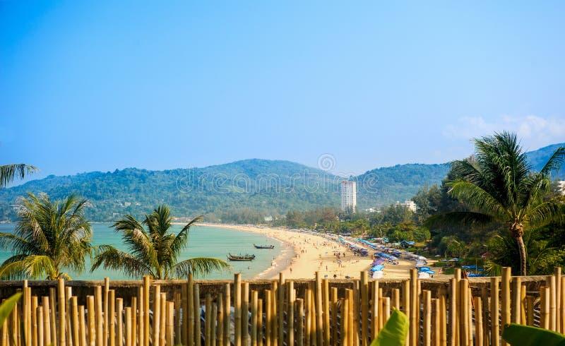 Litoral de Phuket, praia de Patong imagem de stock