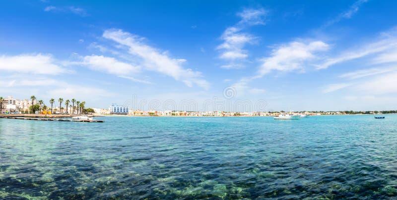 Litoral de Porto Cesareo na costa Ionian, Itália foto de stock