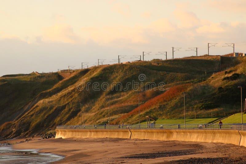 Litoral de Tweedmouth e estrada de ferro, Northumberland imagens de stock