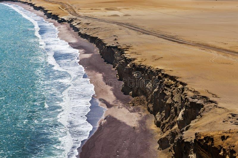 Litoral, reserva nacional de Paracas, Ica Region, Peru Deserto de Paracas Deserto de Atacama Penhascos no nacional de Paracas foto de stock