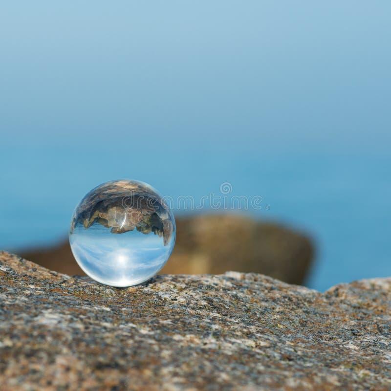 Litoral rochoso de Oceano Atlântico imagem de stock