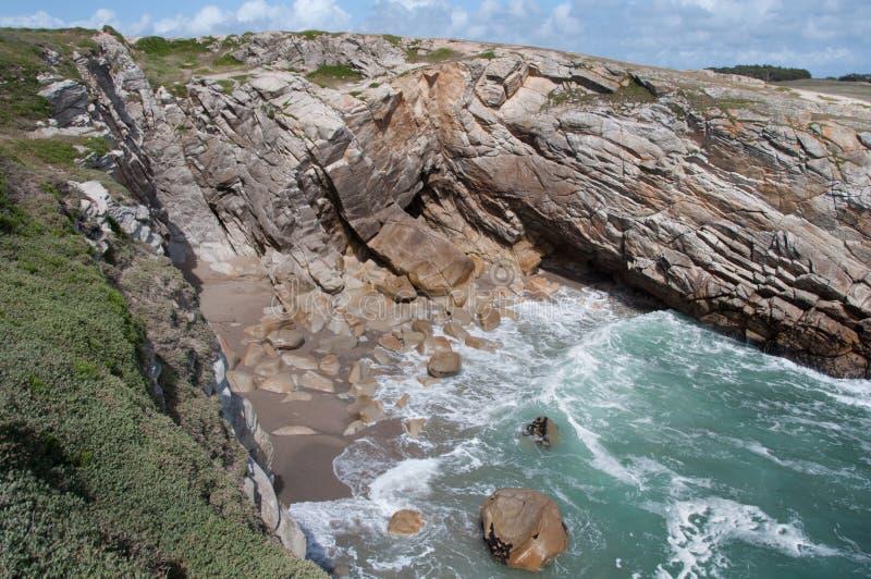 Litoral rochoso de Quiberon, Brittany, France foto de stock royalty free