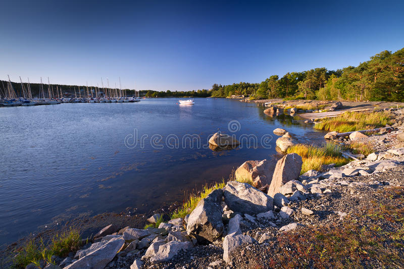 Litoral rochoso do mar Báltico