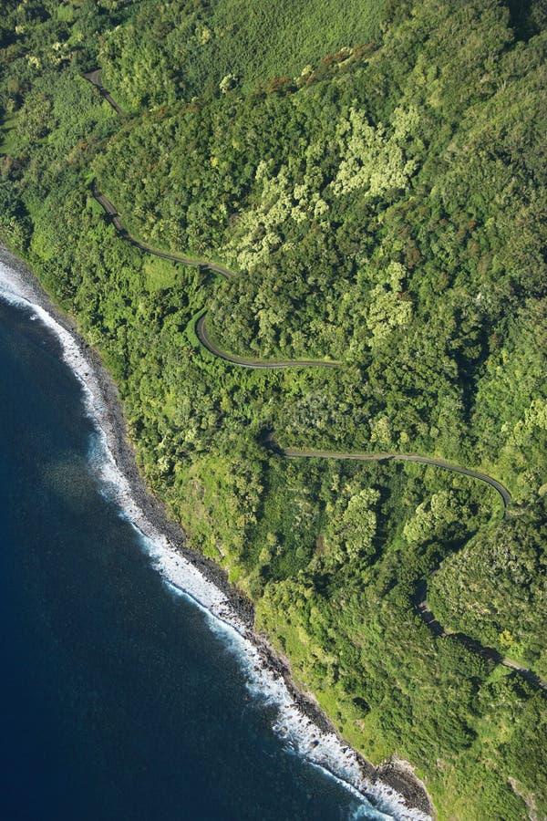 Litorale del Maui con la strada. fotografia stock libera da diritti