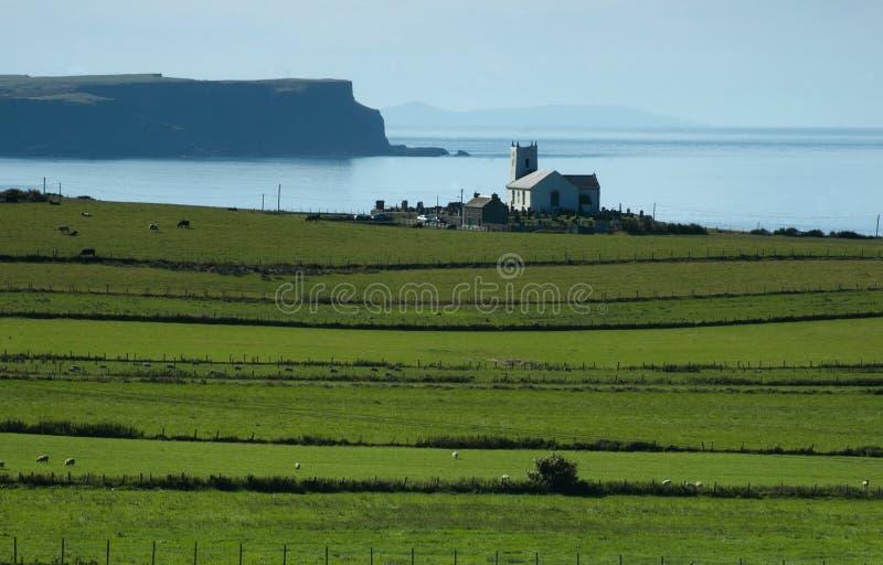 Download Litorale Dell'Antrim, Irlanda Fotografia Stock - Immagine di scogliera, remote: 209412