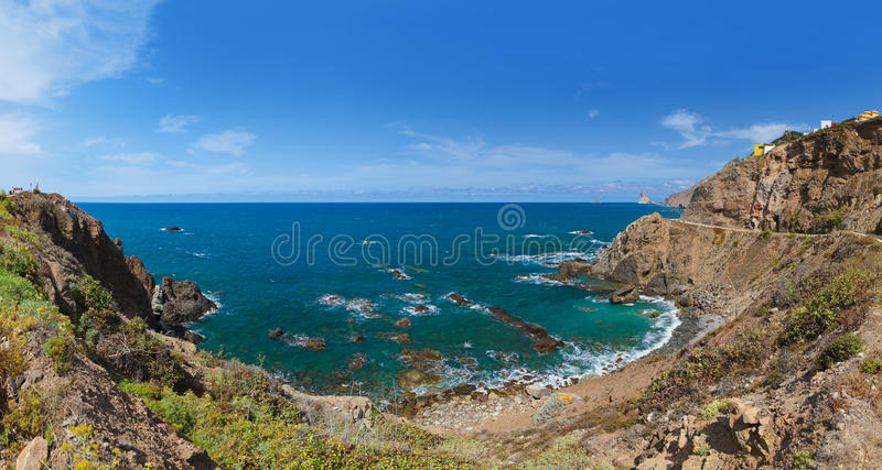 Litorale nell'isola di Tenerife - Spagna color giallo canarino fotografia stock libera da diritti