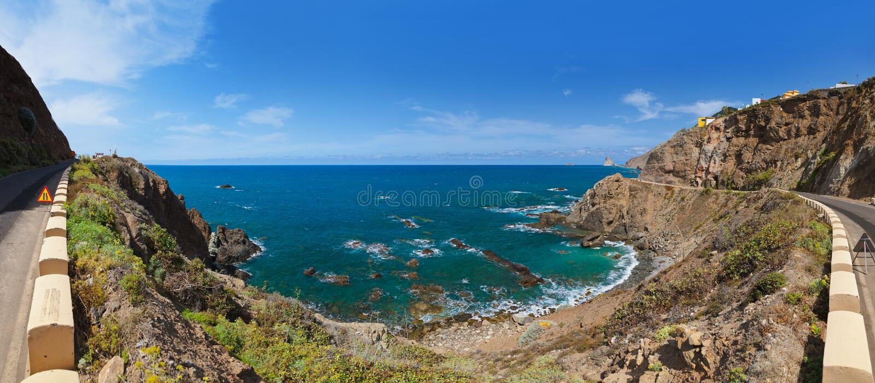 Litorale nell'isola di Tenerife - Spagna color giallo canarino immagine stock