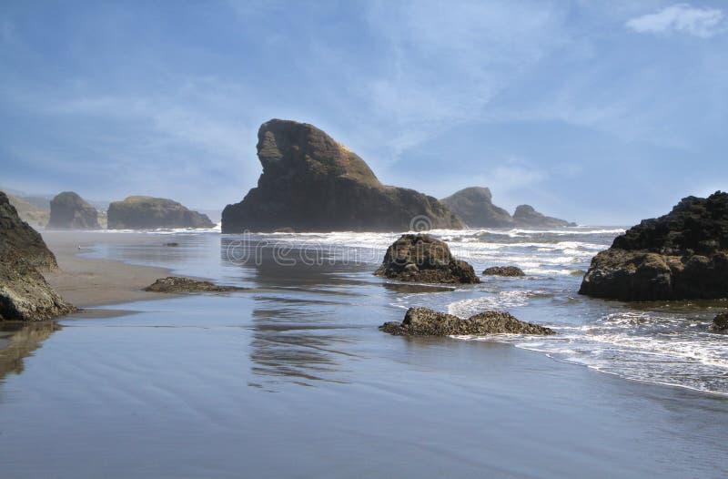 Litorale roccioso nell'Oregon fotografia stock libera da diritti