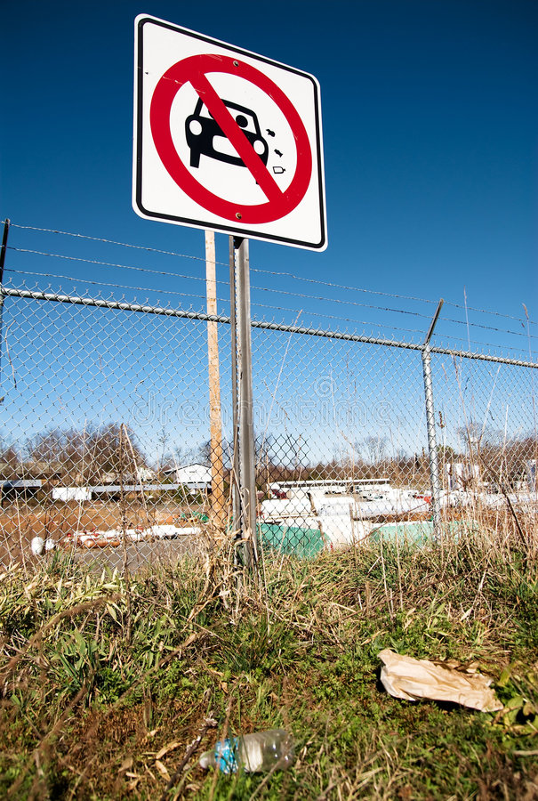 Download Littering Street Sign 02 Royalty Free Stock Photo - Image: 4245825