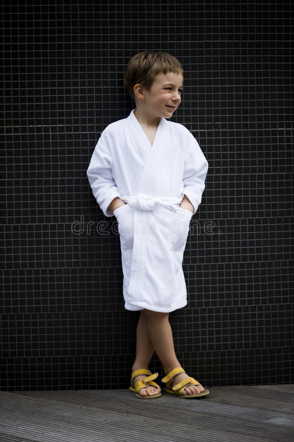 Little Boy alla stazione termale fotografia stock