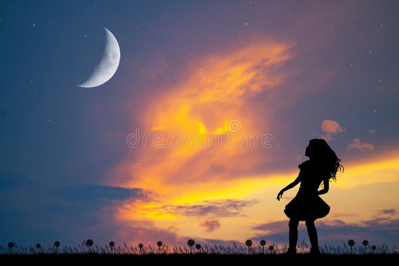 Girl Looking Moon Stock Illustrations 447 Girl Looking Moon Stock Illustrations Vectors Clipart Dreamstime