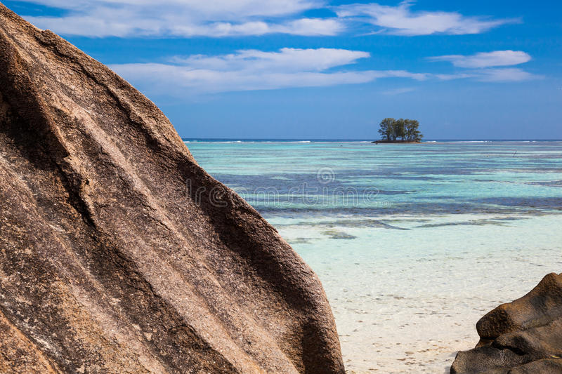 Download Little Island Royalty Free Stock Photo - Image: 32426945