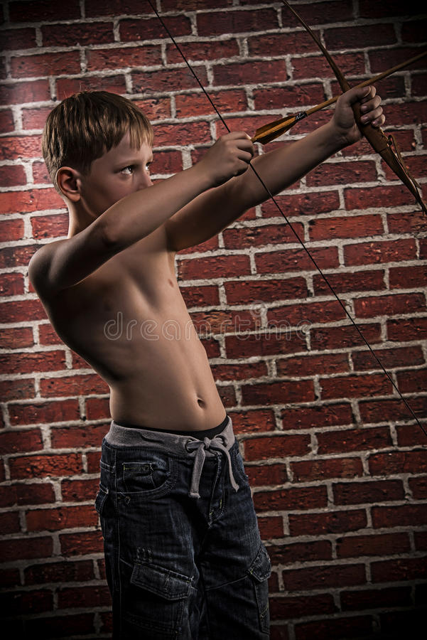 Free Little Marksman-child With Bow And Arrow Royalty Free Stock Images - 34183039