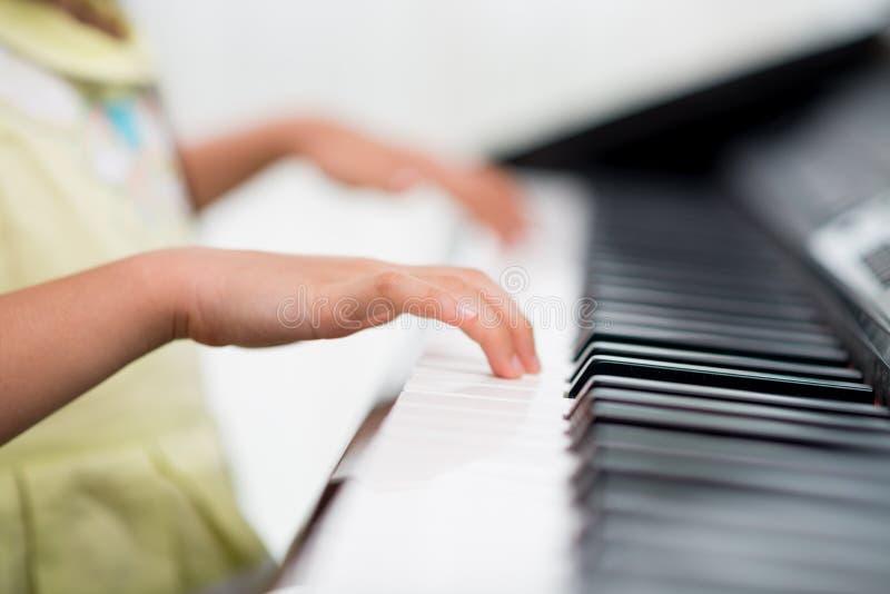 little pianist στοκ εικόνα με δικαίωμα ελεύθερης χρήσης