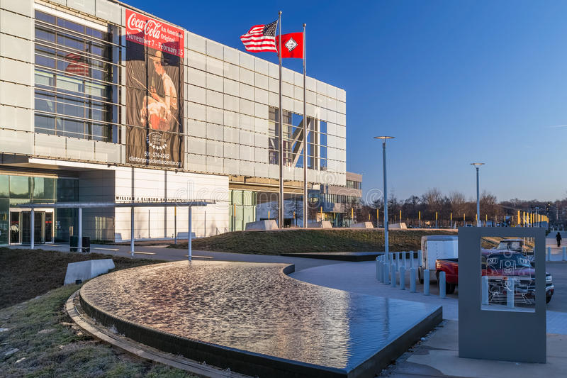Little Rock, AR/USA - circa im Februar 2016: William J Clinton Presidential Center und Bibliothek in Little Rock, Arkansas stockbilder