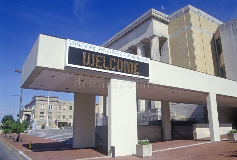 Little Rock Convention Center y Capital del Estado, Little Rock, Arkansas foto de archivo libre de regalías