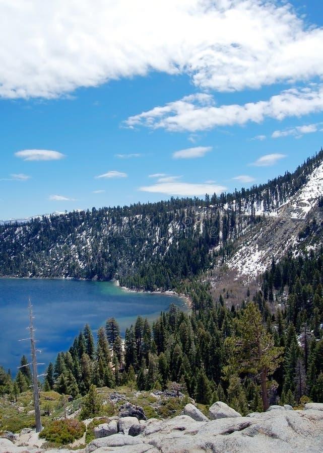 Littoral du lac Tahoe dans Carlifornia Etats-Unis photographie stock