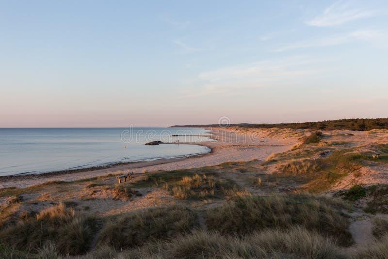 Littoral ? la plage de Liseleje pendant le coucher du soleil image stock