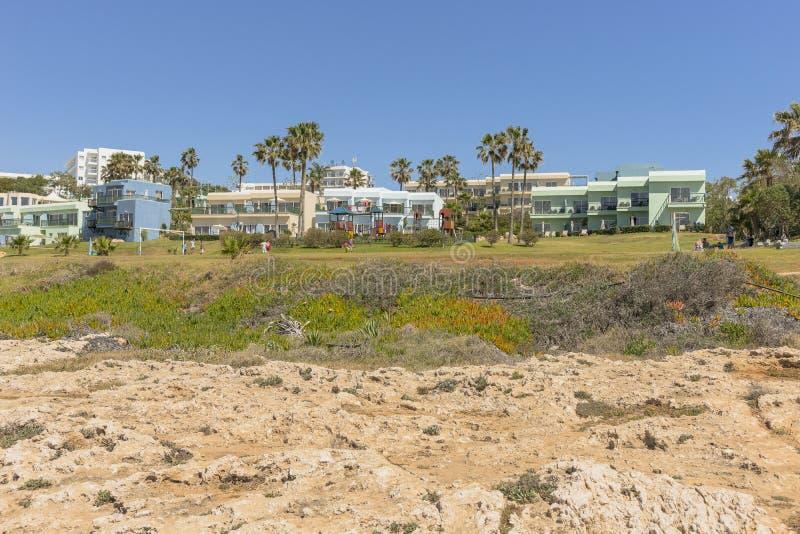 Littoral rocheux, cap Greco sur la Chypre photos libres de droits