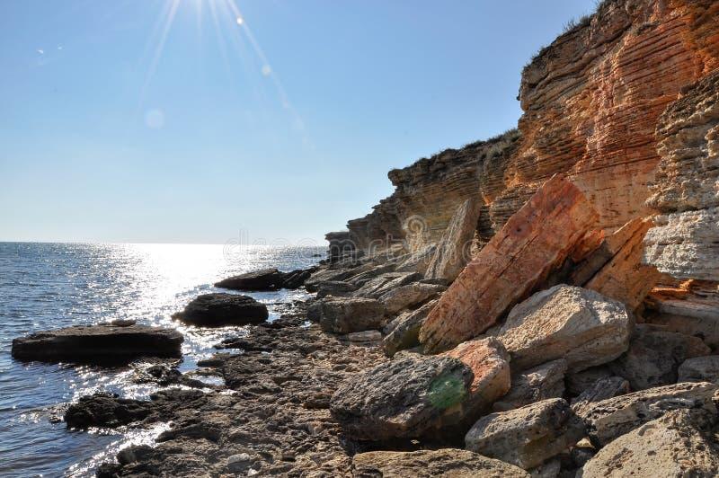 Littoral rocheux de la Mer Noire photographie stock libre de droits