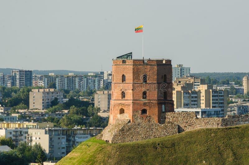 Lituânia. Castelo superior de Vilnius no verão imagem de stock