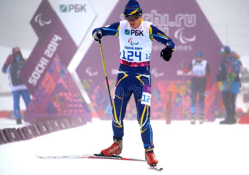 Liudmyla Liashenko (Ukraine) konkurriert in Winter Paralympic-Spielen in Sochi stockbild