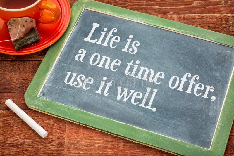 Liv är ett tiderbjudande, använder det som är väl royaltyfri foto