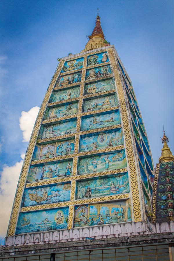 Liv för Buddha` s kommer vid liv på väggen arkivbilder
