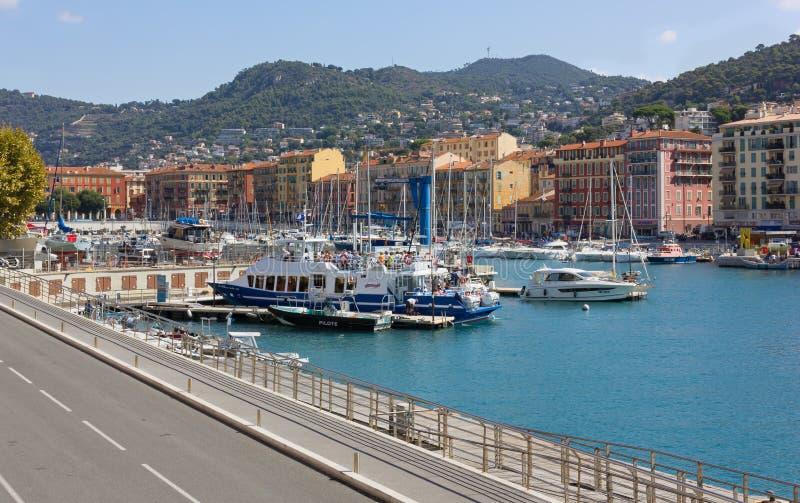 Liv på marina i Nice royaltyfri fotografi