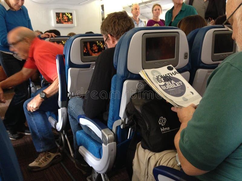 Liv under flyg från hawaii till fastlandet seattle USA royaltyfri bild