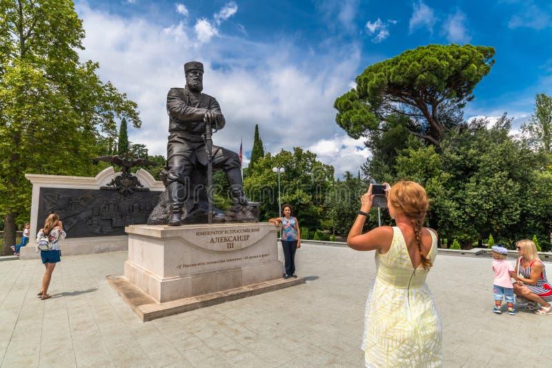 Livadia, Krim - 10 juli 2019 Monument voor Tsar Alexander III, Sculptor - Andrey Kovalchuk royalty-vrije stock foto's