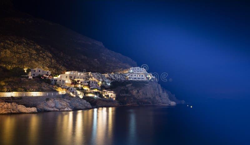 Livadia Tilos ö, Grekland på natten royaltyfri fotografi