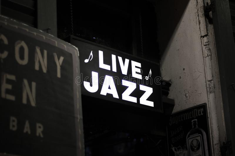 Live JAzz Sign de New Orleans foto de archivo