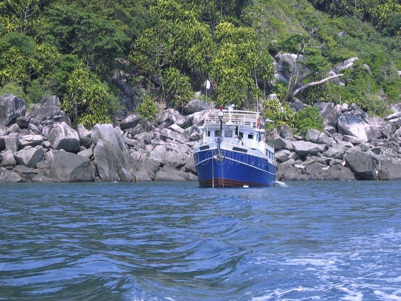 Download Liveaboard fotografia stock. Immagine di paesaggio, litorale - 219920