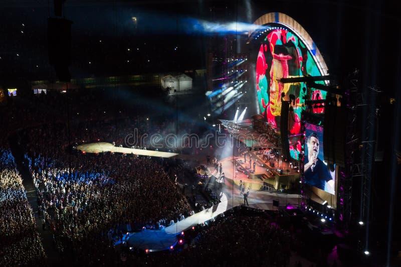 Livekonzert Robbie Williamss 2013 in Mailand stockfotos