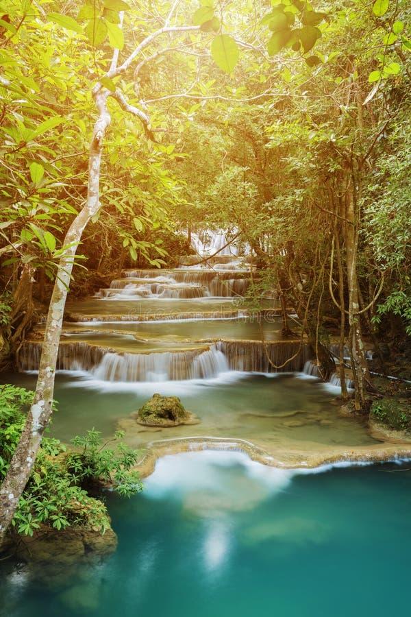 Livello 1 della cascata di Huay Mae Kamin in Khuean Srinagarindra Nati immagini stock