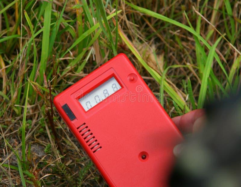 Livello di radiazione di misurazione fotografia stock libera da diritti