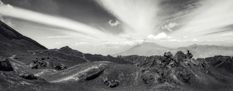 Livello più basso di panorama di Vocano Pacaya nel Guatemala immagine stock