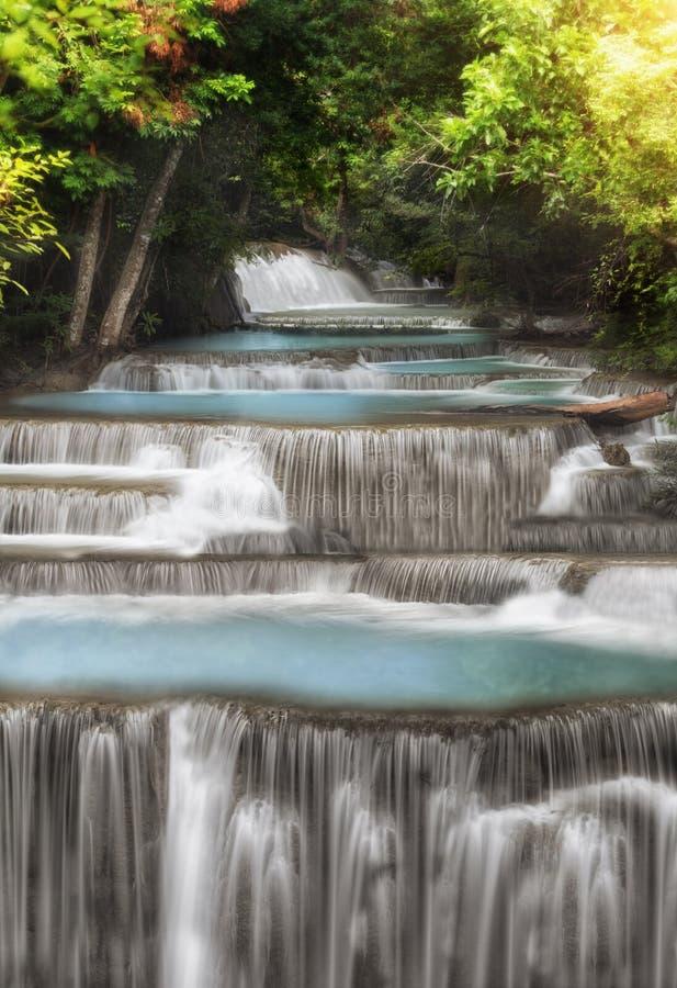 Livello quattro di Huai Mae Kamin Waterfall immagini stock libere da diritti