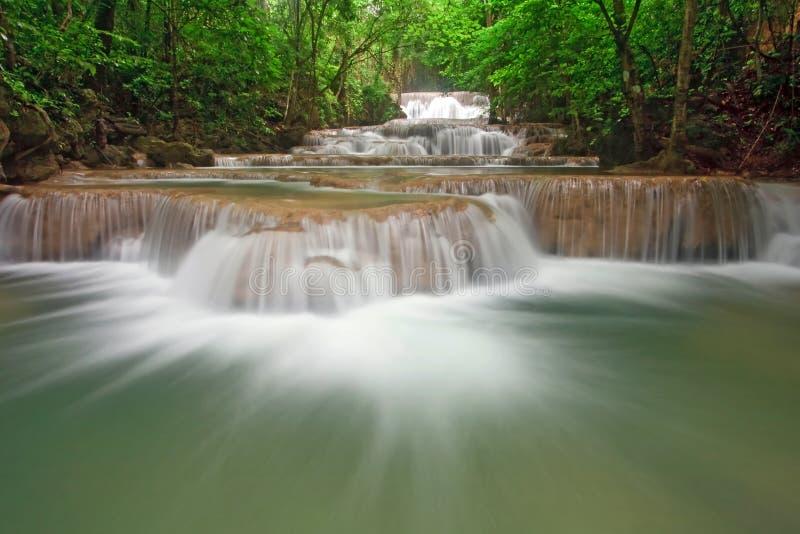 Livello Tailandia della cascata di Huay Mae Khamin primo immagine stock