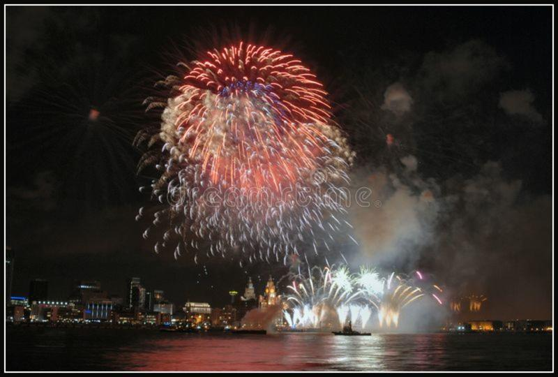 Liverpool Fireworks5 royalty free stock image