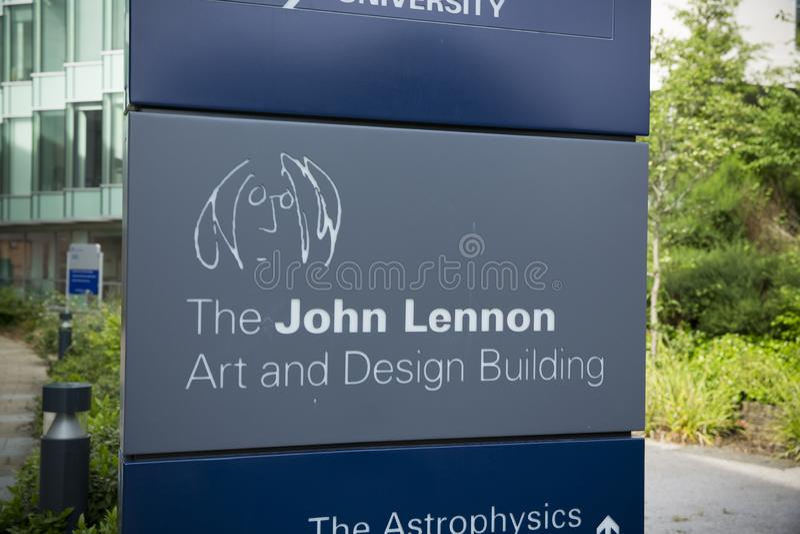 Liverpool, Merseyside, het UK, 24 Juni 2014, John Lennon Art & Ontwerp de Bouwhuis aan de School van Liverpool John Moores Univer stock foto's