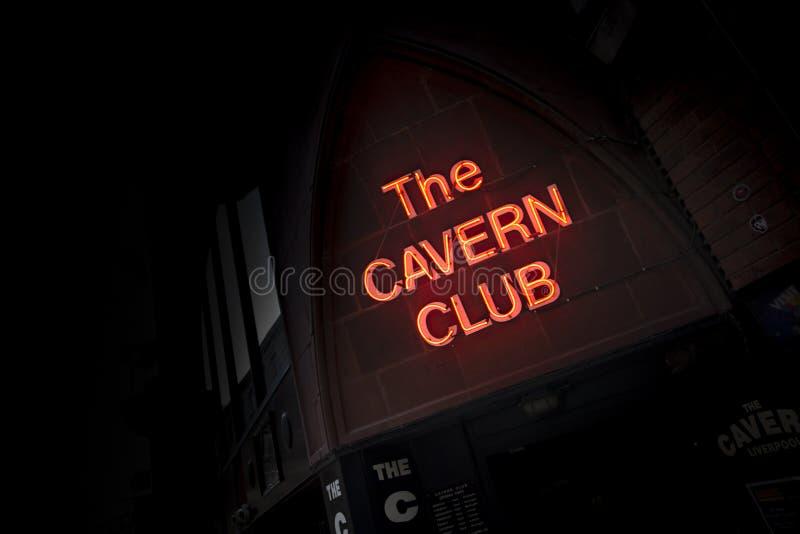 Liverpool Merseyside, UK - 24th Juni 2014 - ingång och Signage till den berömda grottaklubban, Mathew Street arkivbilder