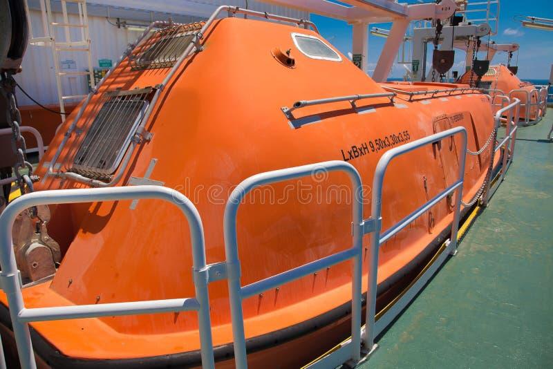 Livfartyg för att nöd- bruk ska fly i brandfall fotografering för bildbyråer