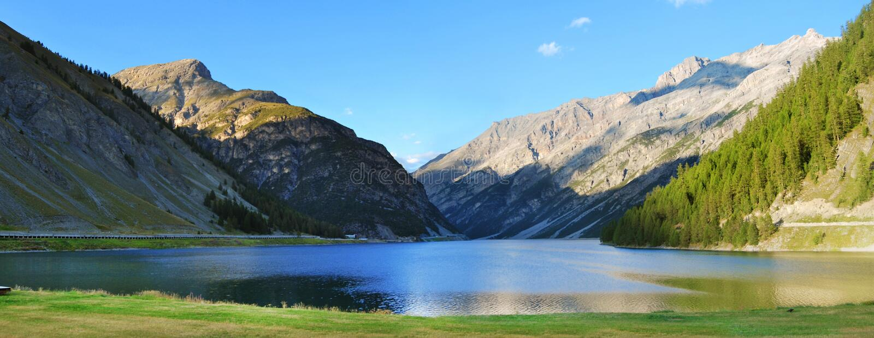 Livigno湖 免版税库存图片