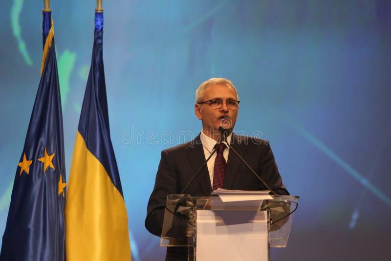 Liviu Dragnea en el congreso nacional extraordinario social del partido de Demócrata PSD fotos de archivo