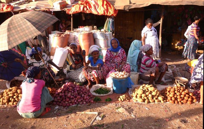 Livlig ethiopian marknad arkivbild