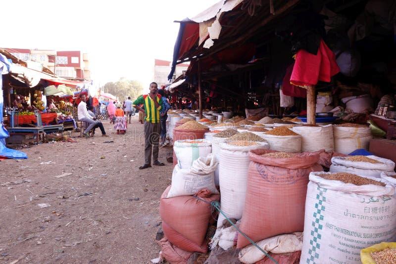 Livlig ethiopian marknad royaltyfria foton