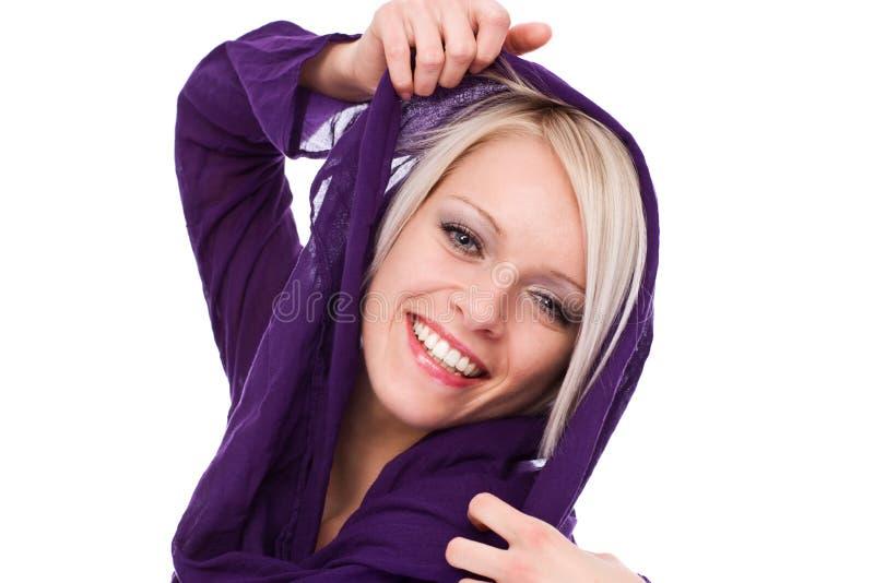 Livlig lycklig härlig blond kvinna royaltyfri bild