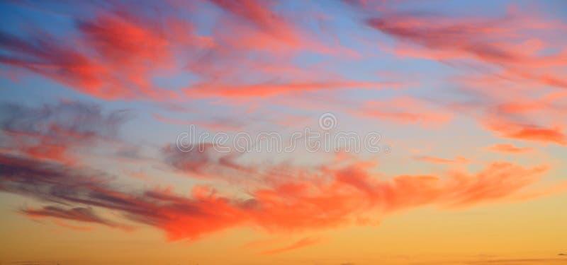 livlig solnedgång arkivfoto